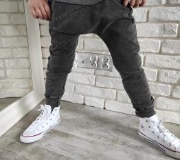 Spodnie Despacito Wilk dekatyzowane czarne